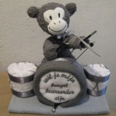 aapje met drumstel